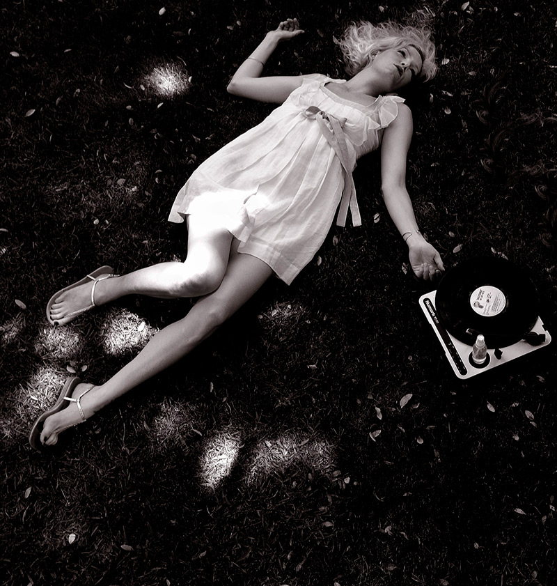 Daydream With Turntable